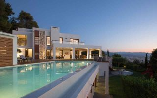 luxury-homes-market-attracts-foreign-companies-and-investors