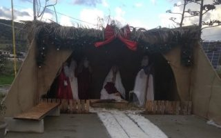 crete-christmas-manger-robbed-of-its-hay