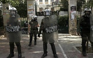 riot-police-unit-attacked-in-central-athens