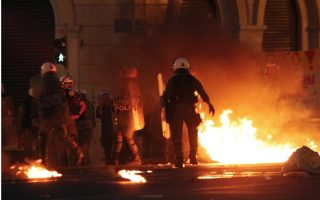 fifty-detained-in-greece-clashes-outside-parliament