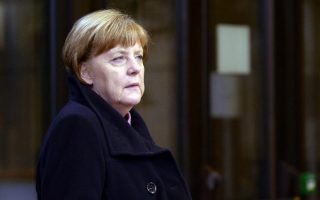 eu-can-amp-8217-t-let-greece-plunge-into-amp-8216-chaos-amp-8217-in-refugee-crisis-says-merkel
