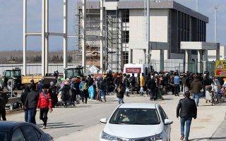 turkey-reopens-border-crossing-in-evros