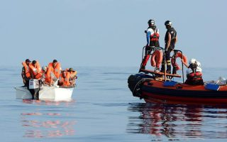 police-uncover-alleged-migrant-trafficking-ring-on-lesvos