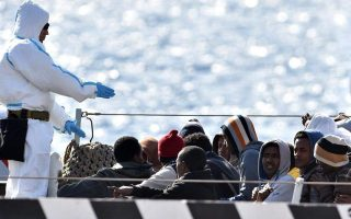 greece-returns-11-failed-asylum-seekers-to-turkey