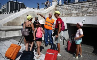 power-cut-causes-transport-upheaval-in-athens