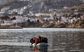 migrants-rescued-off-samos-as-arrivals-continue