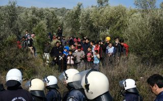 greece-seeks-to-fortify-borders-amid-erdogan-threats