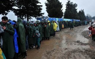 refugees-at-border-should-move-to-camps-says-minister
