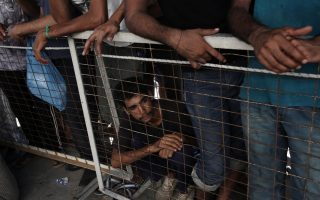migrants-don-amp-8217-t-make-extremists-says-top-human-right-official