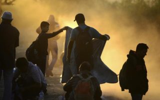 number-of-refugees-entering-europe-in-2015-nears-1-million-says-iom