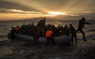 child-dies-on-lesvos-after-arriving-on-refugee-boat0