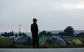 fyrom-extends-state-of-emergency-at-borders