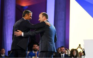 mitsotakis-welcomes-epp-amp-8217-s-weber-at-launch-of-eu-campaign