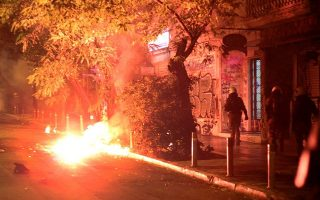 a-barrage-of-violent-incidents-in-athens-and-thessaloniki-overnight