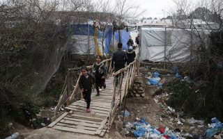 aegean-island-residents-against-closed-centers