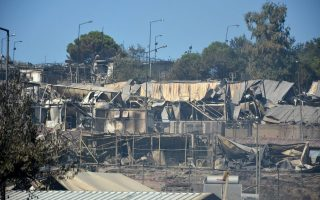 new-fire-breaks-out-at-moria-camp0