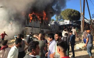 large-fire-breaks-out-at-moria-migrant-camp-on-lesvos0