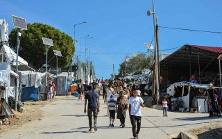 migrant-camps-on-islands-put-on-lockdown