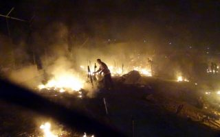 many-arrested-after-fires-break-out-in-and-around-chios-refugee-migrant-camp