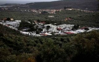 syrian-refugee-sets-himself-on-fire-at-lesvos-camp