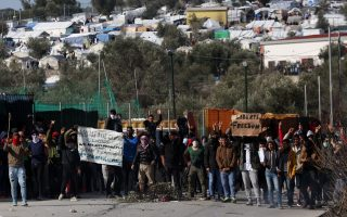 un-says-greece-has-no-right-to-stop-accepting-asylum-requests