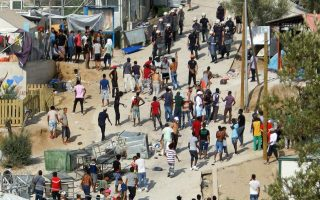 anger-at-asylum-rejections-causes-upheaval-at-lesvos-camp0