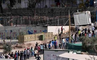 nearly-13-000-migrants-and-refugees-registered-at-moria-camp-in-2017