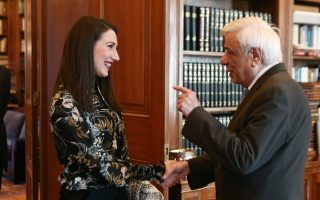 intrepid-mountaineer-honored-by-president