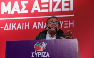 mouzalas-admits-errors-in-handling-refugee-crisis-defends-overall-record
