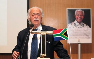 greek-south-african-human-rights-lawyer-george-bizos-dies-at-92