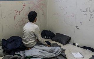 syrian-teenager-expresses-anguish-over-conditions-at-evros-camp
