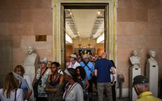 visitors-make-the-most-of-international-museum-day