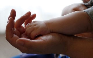 healthy-baby-born-from-woman-infected-with-covid-19