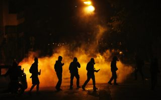 two-bystanders-hurt-in-greek-clashes-with-police