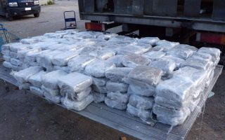 five-arrested-in-anti-drug-raid-in-northwestern-greece