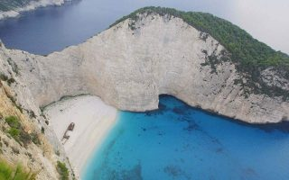 zakynthos-mayor-under-pressure-to-reopen-iconic-beach-ahead-of-tourist-season