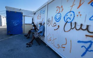 minister-visits-nea-kavala-camp-amid-concern-in-moria