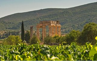lonely-planet-names-peloponnese-top-european-destination-in-2016