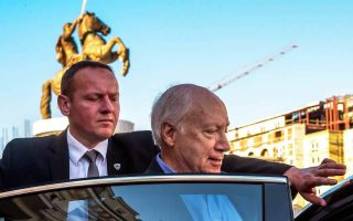 un-envoy-launches-name-talks-with-fyrom-officials