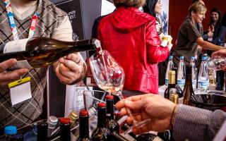 oenorama-showcases-greek-wines-at-zappeio-hall