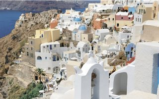 oia-among-best-value-travel-experiences-of-a-lifetime-for-brits-next-year