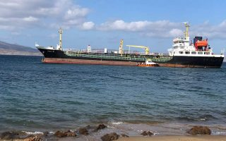 oil-tanker-runs-aground-in-milos-no-leak-reported