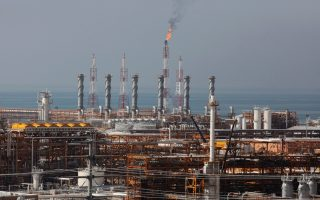 greece-to-continue-importing-oil-from-iran