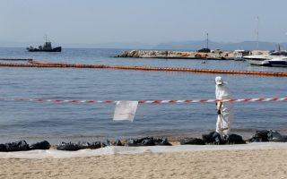 saronic-gulf-oil-spill-largely-contained-says-ministry
