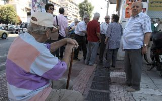 greece-s-population-shrinking-aging