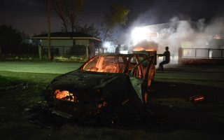 migrants-riot-in-greece-after-car-kills-woman-her-child