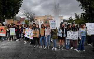 greek-students-join-global-fridaysforfuture-eco-movement