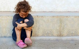 four-in-10-children-in-greece-at-risk-of-poverty