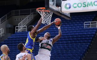 fresh-basket-league-wins-for-greens-and-aek
