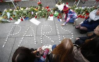 austria-investigates-two-men-who-passed-through-greece-for-links-to-paris-attackers